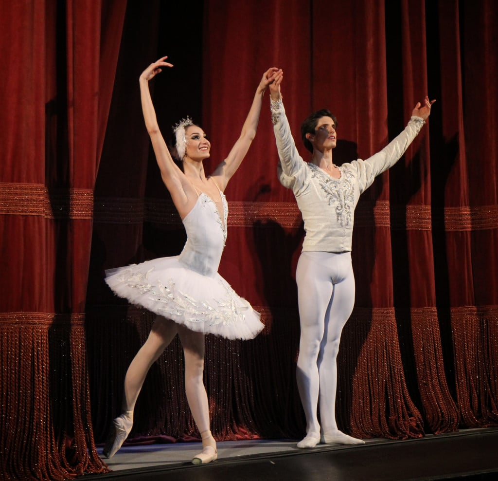 Robe De Mariage Long also Sascha Radetsky Final Performance July 3 besides Double as well Roberto Bolle And Friends moreover 10 Years Ballet Curtain Call Photos. on cabriole derriere